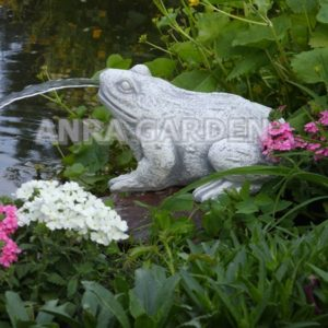 Fontanna ogrodowa – żabka