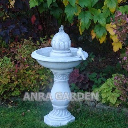 Poidełko dla ptaków - fontanna