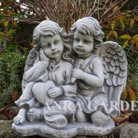 Figura aniołków z serduszkiem